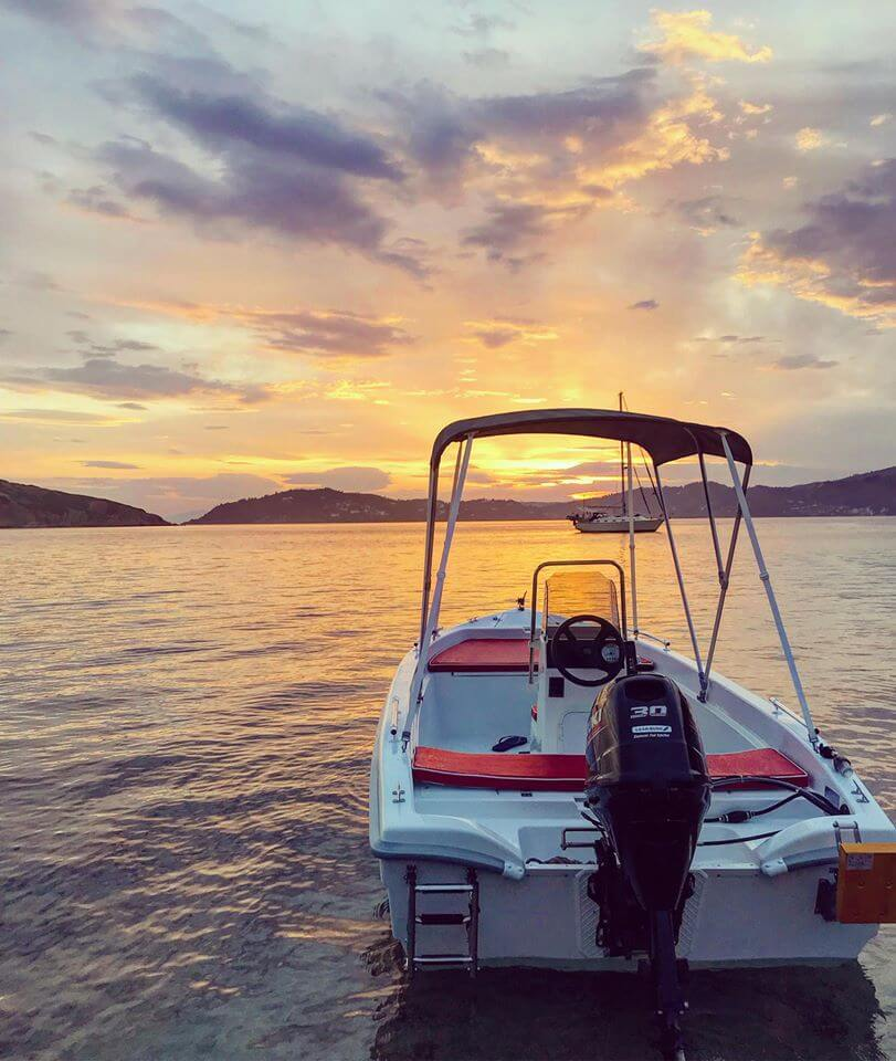 GR Boat Rental in Skiathos operates in boat rental, hiring since 2017. Our staff have experience in the field of boat rentals since 1981, giving you the opportunity to explore the crystal blue waters of Skiathos island.